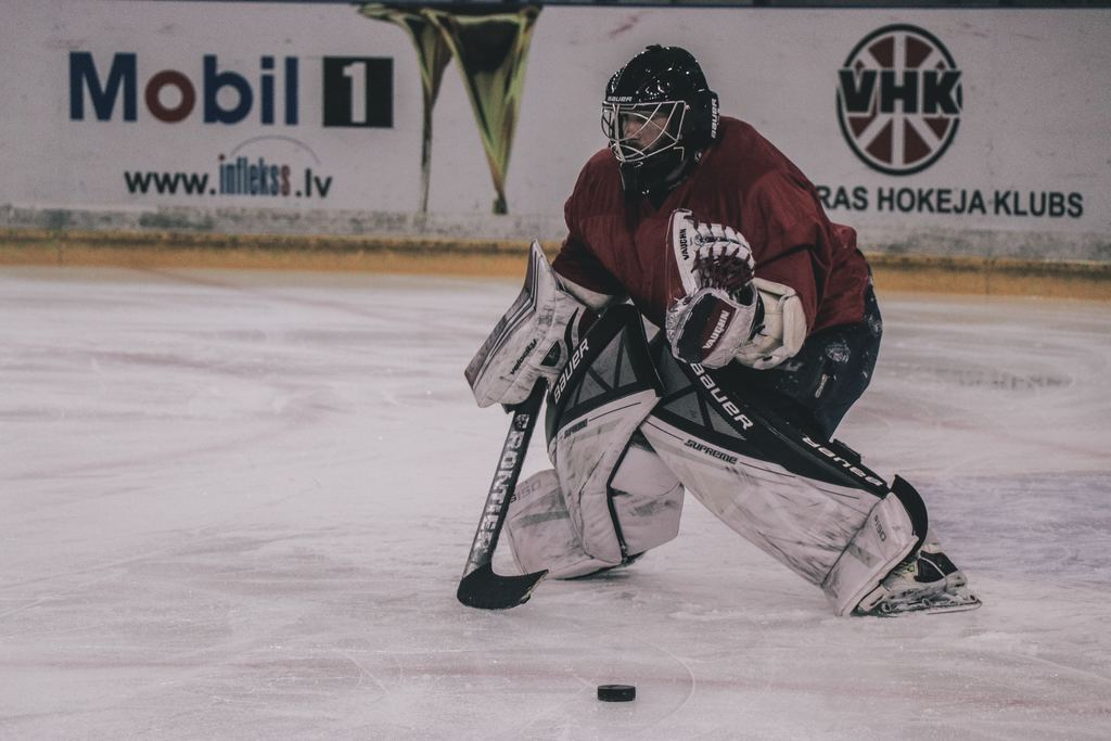 feature image of goalie neck guard article