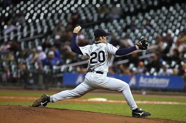 feature image of best pitching trainer for baseball